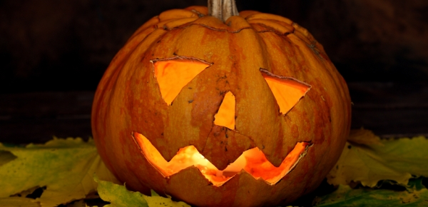Halloweenský večer width=
